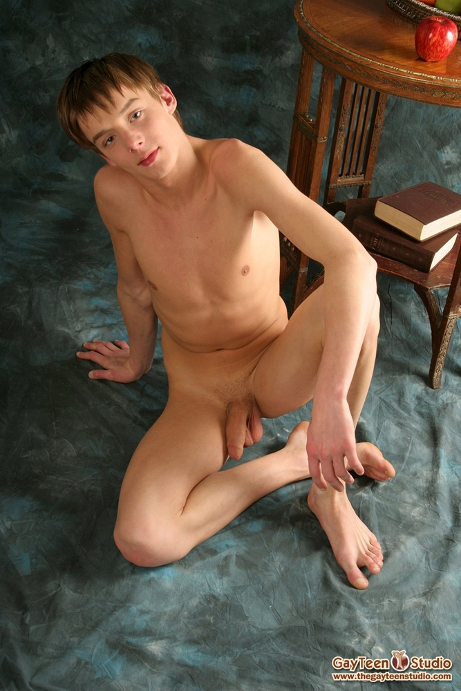 shaven-naked-man-german